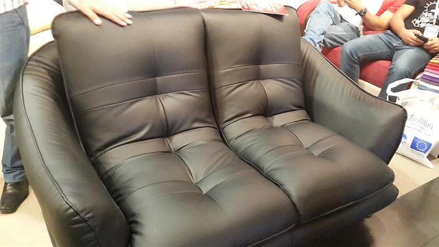 רהיטים של חברת ייאעיש ()