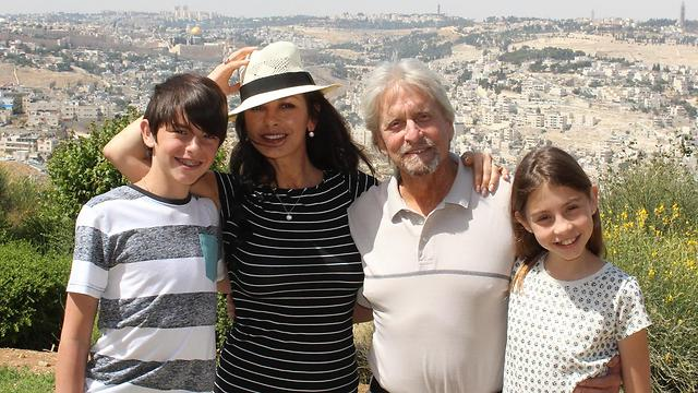 Happy family in Jerusalem (Photo: Gabriel Smith and Yehiel Solomon)