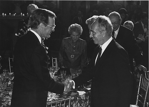 """Peres with George Bush senior. """"We had an exceptional relationship"""" (Photo: Hanania Herman, GPO)"""