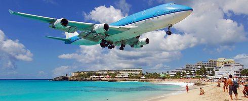 מחכים לנחיתה (sxmairport.com)