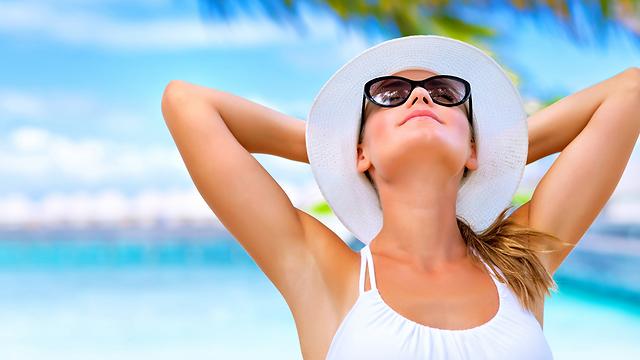 להיחשף לשמש לקבל ויטמין D (צילום: shuterstock) (צילום: shuterstock)