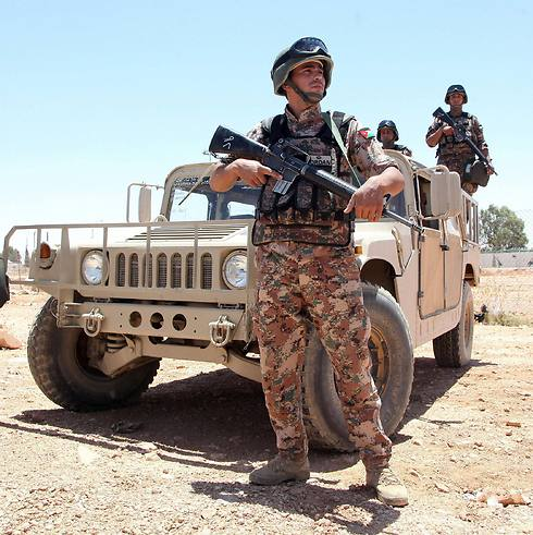 Jordanian soldiers near the Al-Karameh border point with Iraq (Photo: AFP) (Photo: AFP)