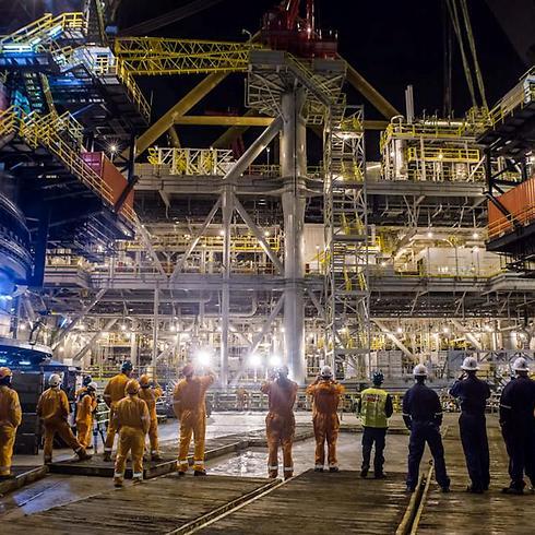 """אסדת קידוח גז טבעי """"תמר"""". גילויי הגז יכולים לשנות את שוק האנרגיה לתחבורה בישראל (צילום: אלבטרוס, באדיבות נובל אנרג'י) (צילום: אלבטרוס, באדיבות נובל אנרג'י)"""