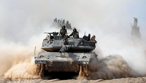IDF tanks on the Gaza border (Photo: Reuters)