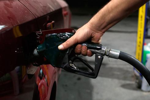 גמילה מבנזין אינה קלה - אבל תחליפי הדלקים שבדרך יעזרו (צילום: רויטרס) (צילום: רויטרס)