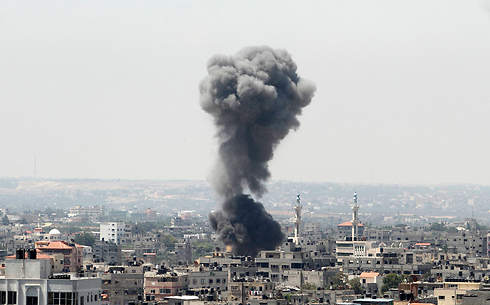 IAF attack in the Gaza Strip (Photo: Reuters) (Photo: Reuters)