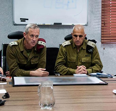 Benny Gantz and Sami Turgeman during the 2014 Gaza war (Photo: IDF Spokesperson's Unit)