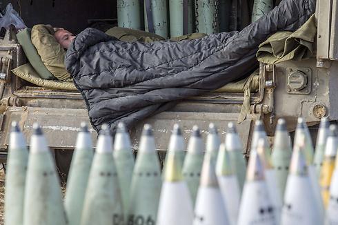 מנוחת הלוחם, ליד עזה (צילום: AFP) (צילום: AFP)