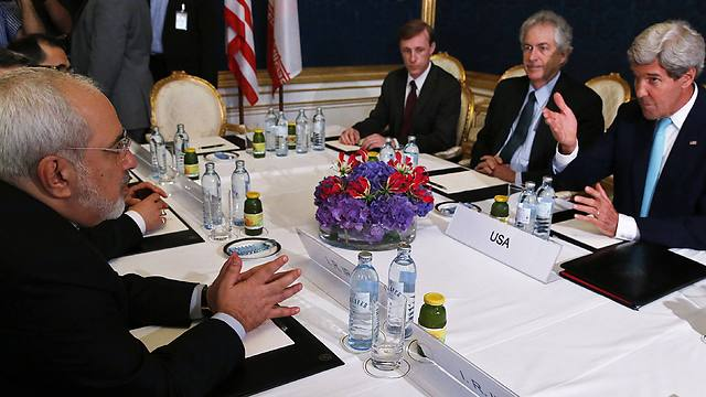 US Secretary of State John Kerry meeting with Iranian Foreign Minister Mohammad Javad Zarif (Photo: AFP) (Photo: AFP)