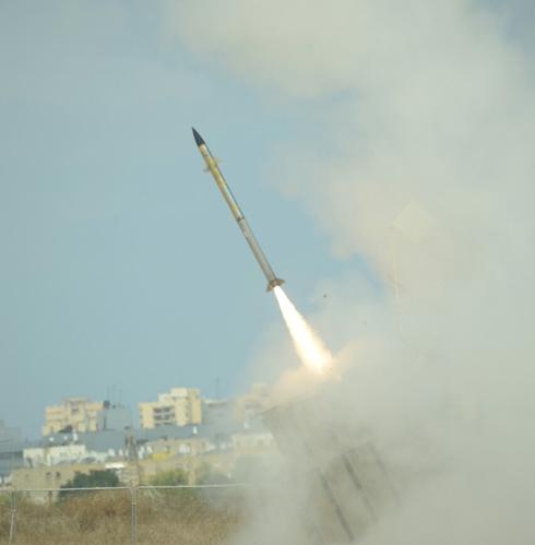 Iron Dome interceptor missile launch (Photo: Avi Rokach)