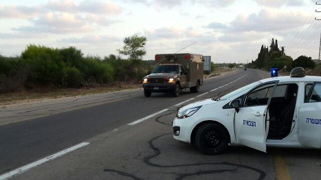 פינוי הנפגעים ממחסום ארז, הערב (צילום: יואב זיתון) (צילום: יואב זיתון)