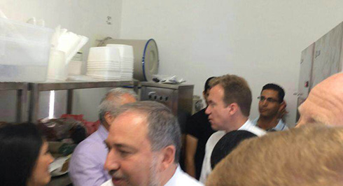 Lieberman and Brende take shelter.