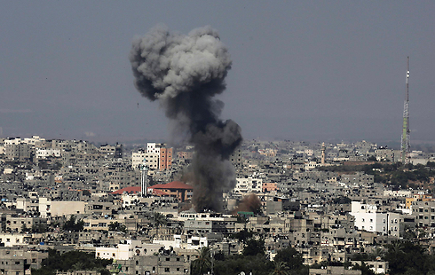 Smoke rises over Gaza following an IAF strike (Photo: AP) (Photo: AP)