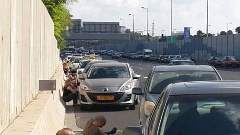 Rockets over central Israel Thursday morning (Photo: Ran Rimon)