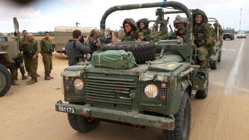 חיילים באזור התקרית, הבוקר (צילום: יואב זיתון) (צילום: יואב זיתון)