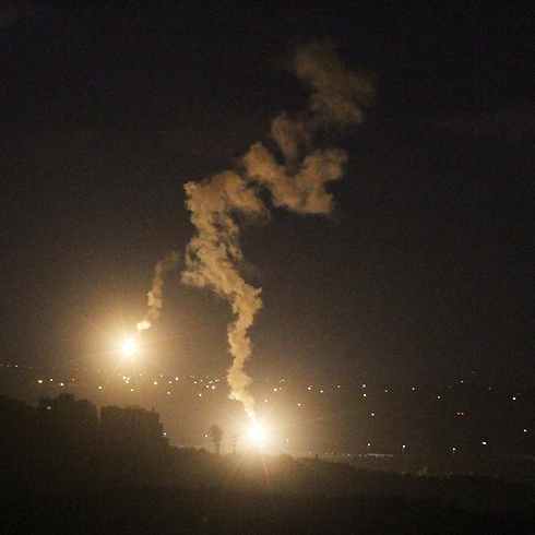 IDF firing flares over Gaza (Photo: Ido Erez)