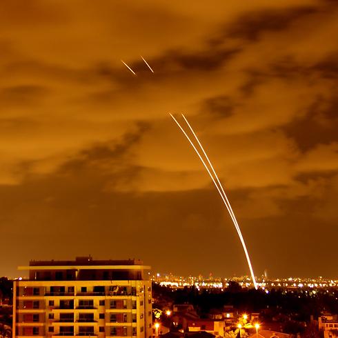 Iron Dome interceptor missiles over Tel Aviv (Photo: Pini Netrovich)