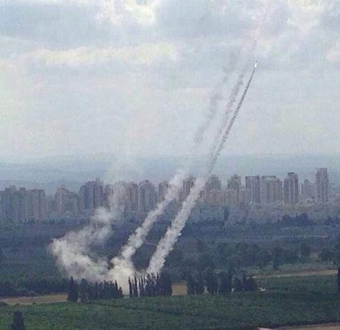 Iron Dome intercepts rocket above Petah Tikva (Photo: Yariv Maimon) (Photo: Yariv Maimon)
