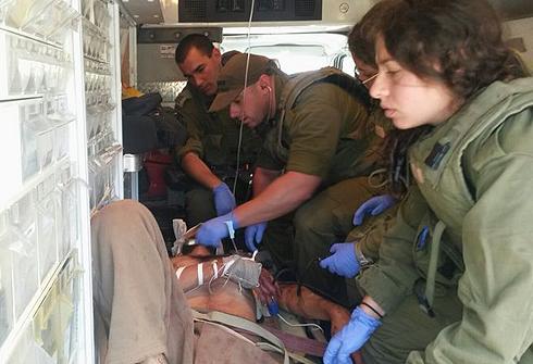 """המחבל שנפגע ונלקח לבית החולים (צילום: דובר צה""""ל) (צילום: דובר צה"""