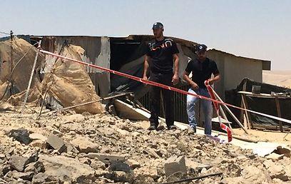 Rocket strike near Dimona (Photo: Israel Police) (Photo: Israel Police)