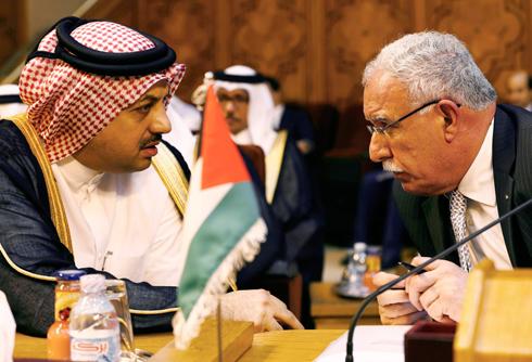 שר החוץ הקטארי, חאלד עטייה (משמאל) (צילום: רויטרס) (צילום: רויטרס)