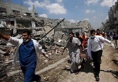 Destruction and casualties in Gaza. Every decision maker in the international community knows that there is no practical way of waging military operations while keeping sterile, with zero flaws (Photo: EPA)