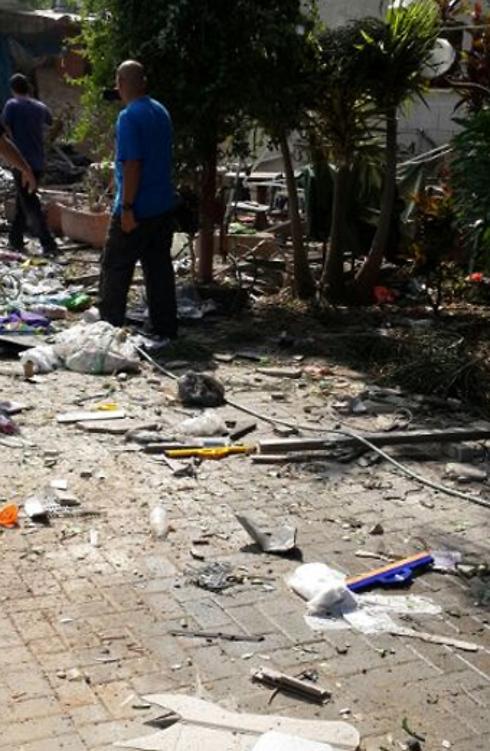 ההרס ביהוד הבוקר             (צילום: ארז קורן) (צילום: ארז קורן)