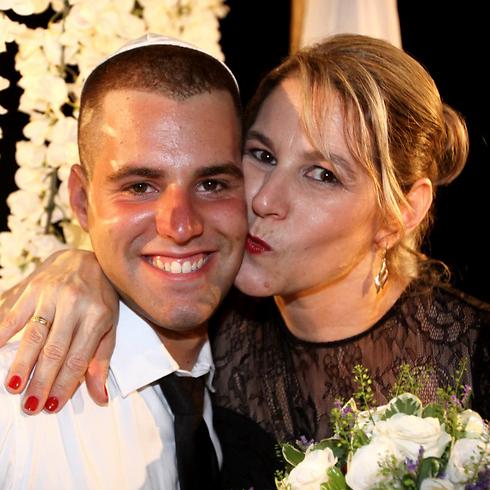 תומר ורון, חייל שיצא לחופשה כדי לחגוג עם אחותו את חתונתה (צילום: אבי מועלם) (צילום: אבי מועלם)