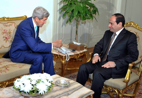 Kerry with Egyptian President Sisi (Photo: AP)