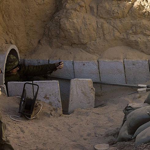 מצלמים סלפי מתוך המנהרה? (צילום: AFP) (צילום: AFP)