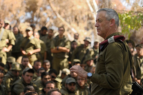 Gantz with his troops during Protective Edge: 'My decisions determine whether people live or die.' (Photo: IDF Spokesman)