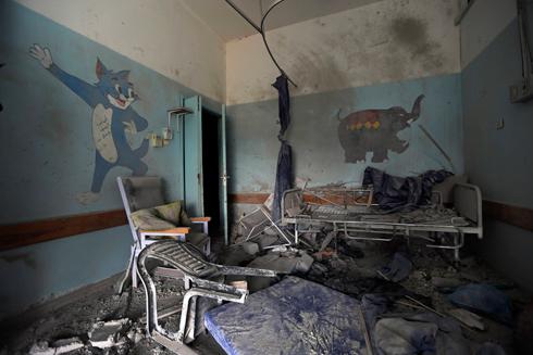 הרס במחלקת ילדים שהופגזה בשבוע שעבר בבית חנון (צילום: AP) (צילום: AP)