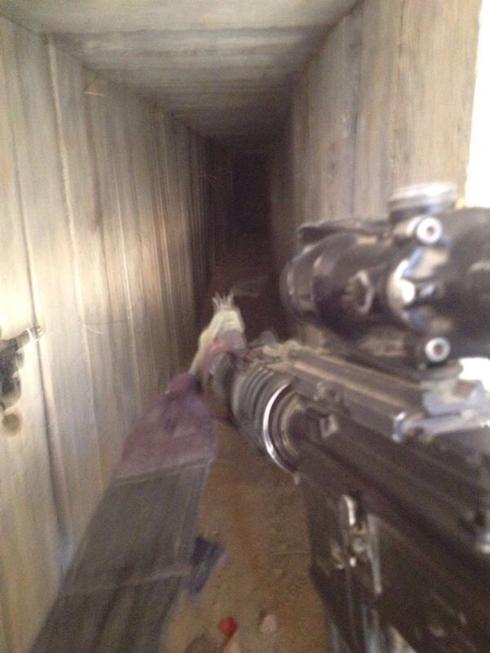 IDF soldier searching a terror tunnel in Gaza (Photo: IDF Spokesperson's Unit)