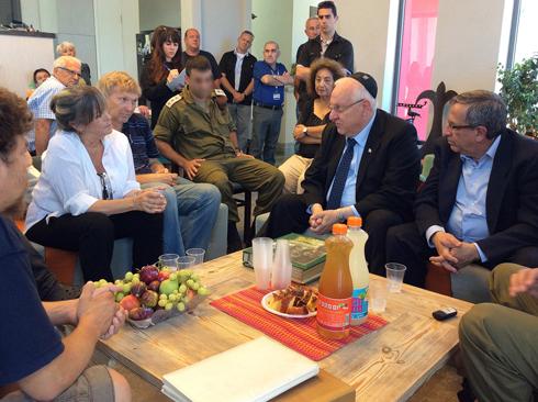 President Rivlin visits the Pomerantz family in mourning