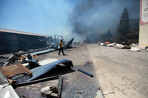Damage to Sderot area factory (Photo: EPA)