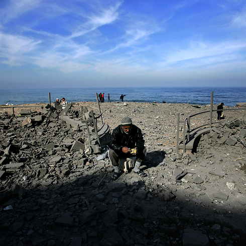 The Gaza beach. IDF navy head says it's possible to allow sea accees to Gaza an keep Israel safe (Photo: Getty Images)