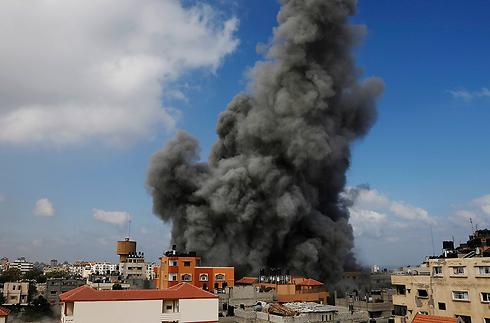 IAF attack Gaza Strip (Photo: AP)