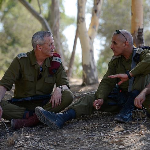 Gantz with Givati Brigade commander near Gaza border (Photo: IDF)