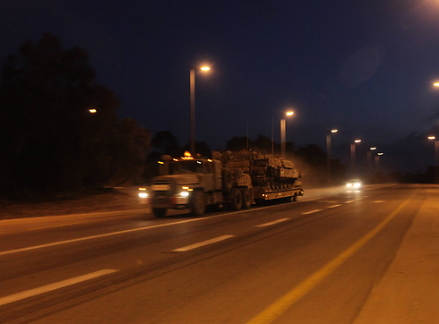 Reservists heading back to Israeli territory (Photo: Gil Yohanan) (Photo: Gil Yohanan)