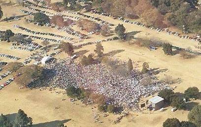 Over 10,000 people apparently attended the massive pro-Israel rally.