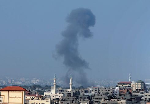 ההפצצה האחרונה ברצועה, הבוקר (צילום: AP) (צילום: AP)