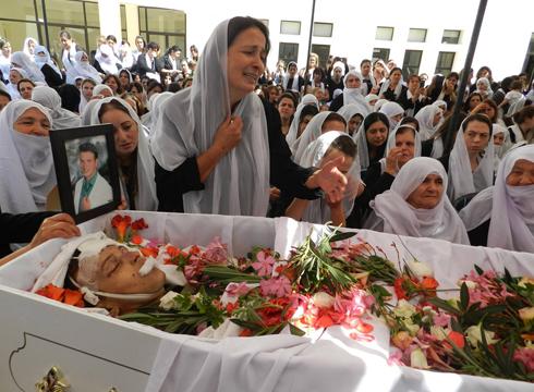 הלוויה של קצין דרוזי בצבא לבנון שנהרג בקרבות עם אנשי אל-קאעידה (צילום: AFP) (צילום: AFP)