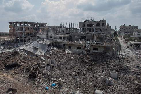 Demolished buildings in Beit Hanoun during the Gaza conflict (Photo: EPA) (Photo: EPA)