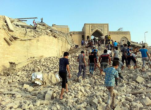 """מתחם קבר יונה הנביא במוסול, לאחר שנהרס ע""""י דאעש (צילום: EPA) (צילום: EPA)"""