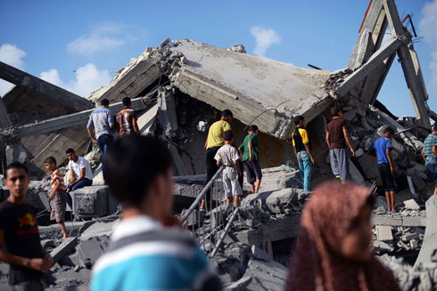 רק מראות של הרס והרג וסבל שלא יתואר (צילום: AFP)