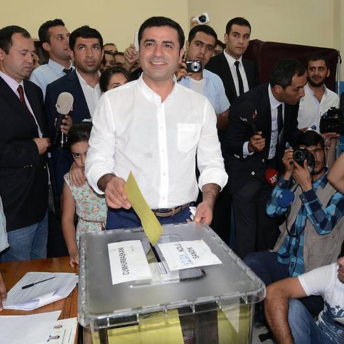 דמיטרש הכורדי. המפסיד הגדול (צילום: AP) (צילום: AP)