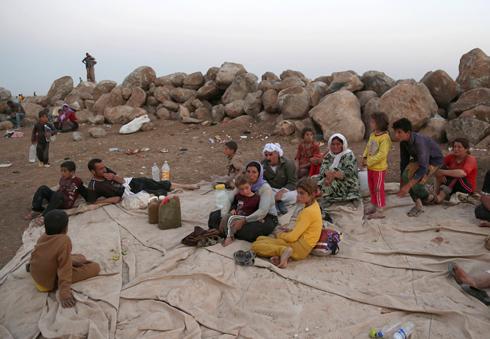 יזידים במחנה פליטים בסוריה (צילום: AP) (צילום: AP)