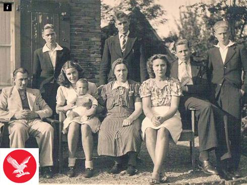 זנולי עם משפחתו בשנת 1942 ()
