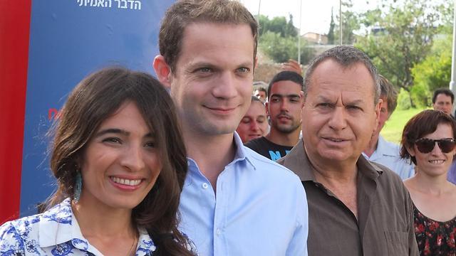 """שלמה בראבא, איתי טיראן ורותם זיסמן כהן ב""""זינוק בעליה"""" (צילום: יוני המנחם) (צילום: יוני המנחם)"""