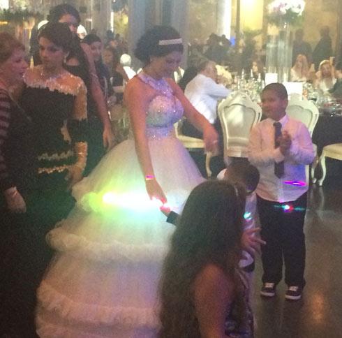 הכלה מורל במסיבת החתונה (צילום: חסן שעלאן) (צילום: חסן שעלאן)